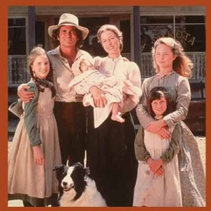 Foto Keluarga dalam Little House
