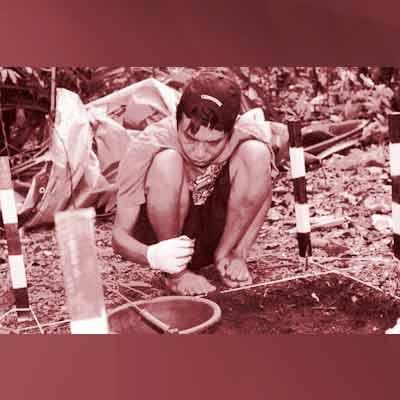 Arkeolog Hari Suroto di Papua