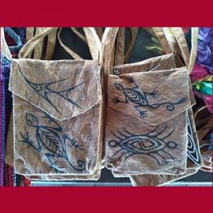 Tas kulit kayu di Papua