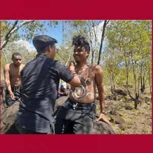 Body painting di Papua
