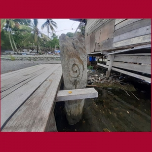 Menhir Pulau Asei Papua