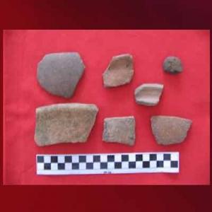 Pecahan Periuk Situs Yenbekaki di Raja Ampat