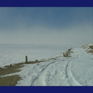 Jalanan tertutup salju di Mongolia