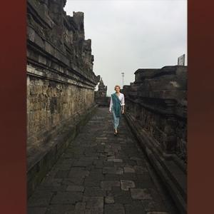 Inés Somellera di Candi Borobudur